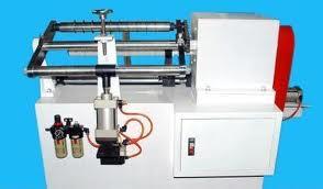 Máy cắt ống giấy