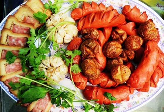 Phomai cuộn pate- xúc xích tỏi nướng