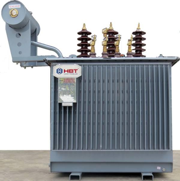 Máy biến áp 3 pha hở có bình dầu phụ