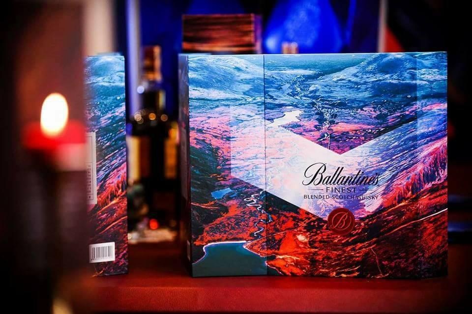 Hộp rượu ballantines quà tết