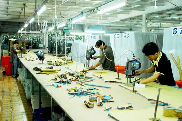 Bàn cắt vải công nghiệp