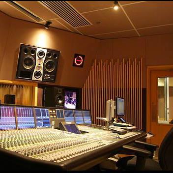 Studio thu thanh chuyên nghiệp