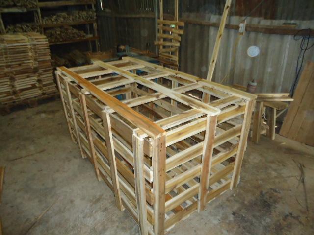 Kiện gỗ cũ