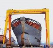 cổng trục dùng trong đóng tàu