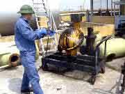 Súc rửa bồn bể xăng dầu