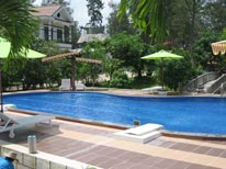 Hồ Bơi Resort Ba Thật (3 Sao)