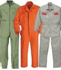 Giặt ủi đồng phục công nghiệp