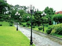 Cột đèn sân vườn