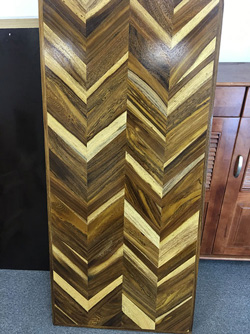 Mặt bàn gỗ me tây xương cá