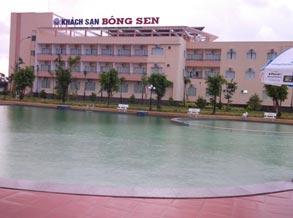 Hồ bơi Khách sạn Bông Sen