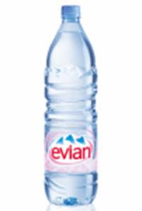 Thùng nước khoáng Evian 1500ml