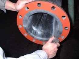 Lót dán cao su đường ống