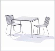 Sơn tĩnh điện trên bàn ghế tựa