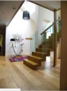 Cầu thang gỗ sồi mỹ