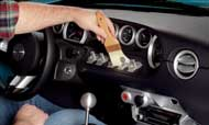 Vệ sinh nội thất ô tô