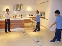 Làm sạch nhà ở hằng ngày