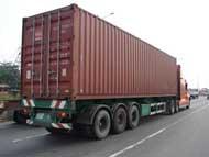 Vận chuyển hàng hóa bằng xe container