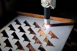 Cắt khắc laser trên kim loại