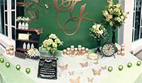 Trang trí mảng tường xanh lá vải