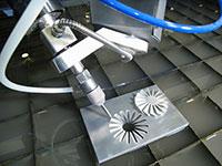 Gia công cắt KL bằng nước áp lực cao