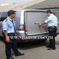 Dịch vụ bảo vệ áp tải tiền