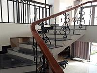 Sơn tĩnh điện cầu thang