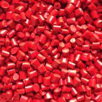 Hạt nhựa màu đỏ
