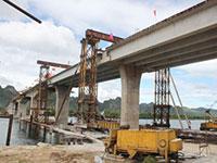Xây dựng hạ tầng giao thông