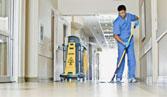 Làm sạch sàn nhà