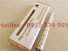 Bút kí gỗ