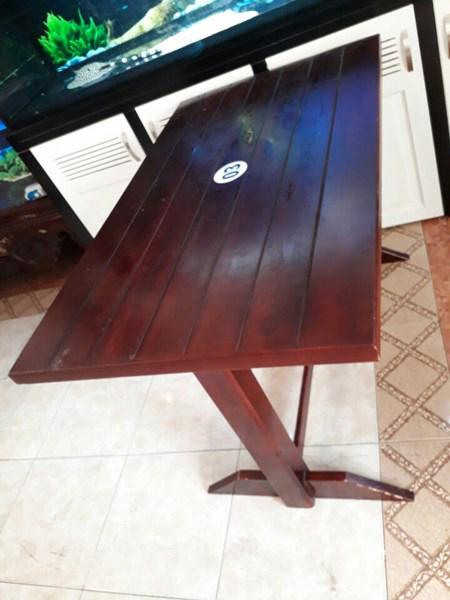 Thanh lý bàn gỗ CF