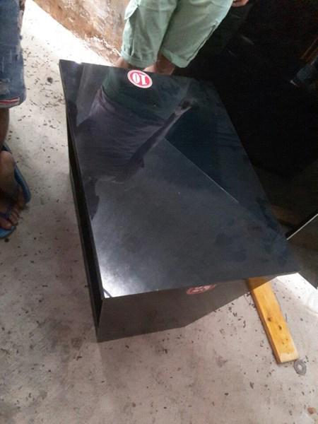 Thanh lý bàn xéo gỗ mặt kính