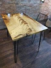 Bàn gỗ tự nhiên
