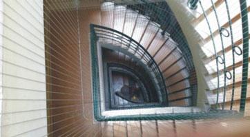 Lưới an toàn cầu thang
