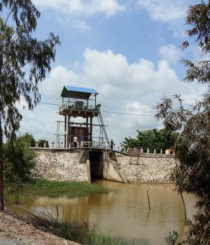 Cổng thủy lợi