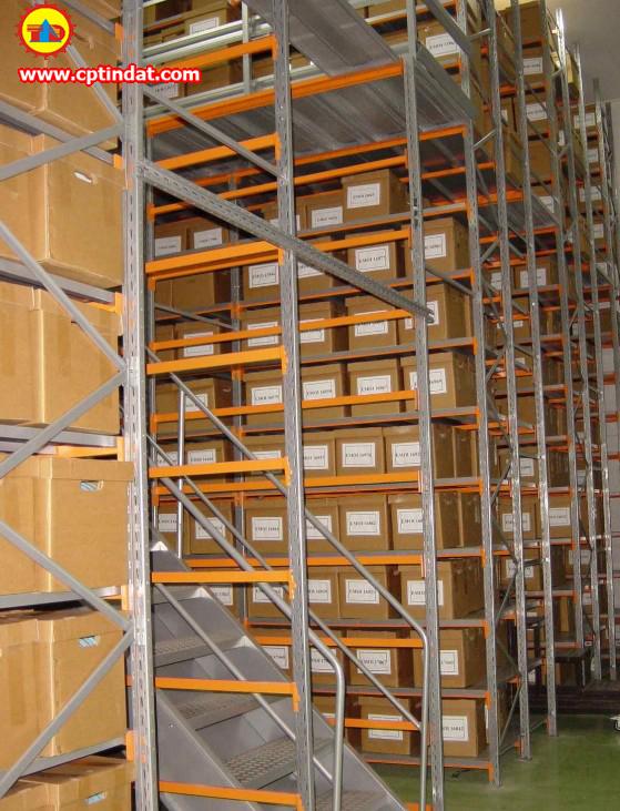 Sàn chứa hàng nhiều tầng