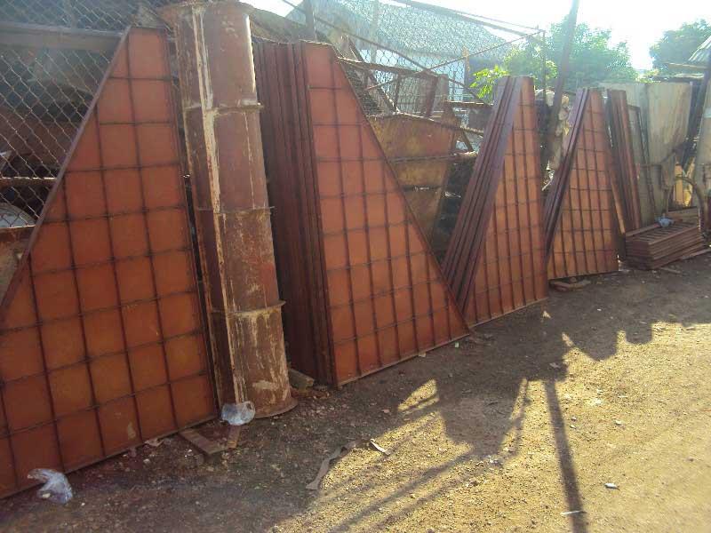 Cốp pha tường chắn