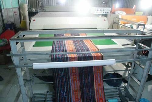 Gia công ép vải thổ cẩm