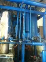 Máy sản xuất đá tinh khiết