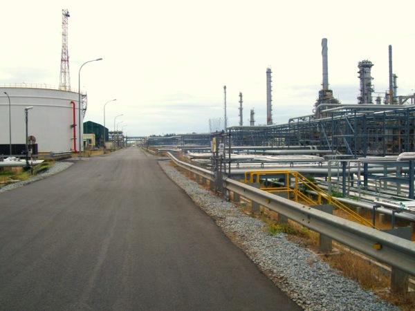 Thảm nhựa bê tông nhà máy lọc dầu Dung Quất