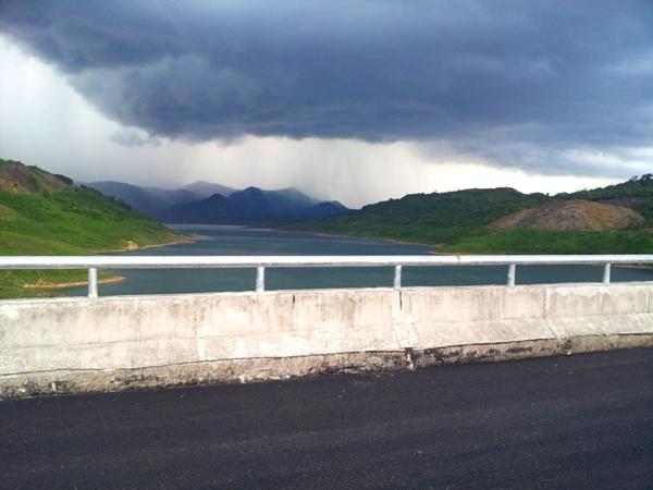 Thảm nhựa bê tông thủy điện sông Tranh