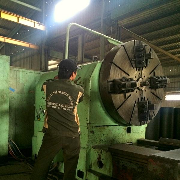 Xưởng máy CNC cơ khí chính xác