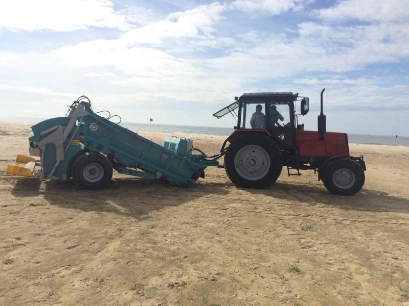 Xe sàng lọc cát biển