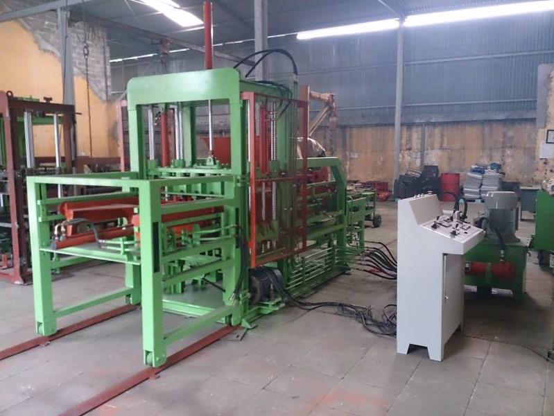 Dây chuyền sản xuất gạch BLock tự động B1009