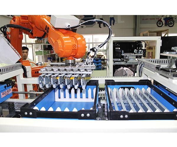 Dây chuyền lắp ráp điện tử sử dụng robot CN