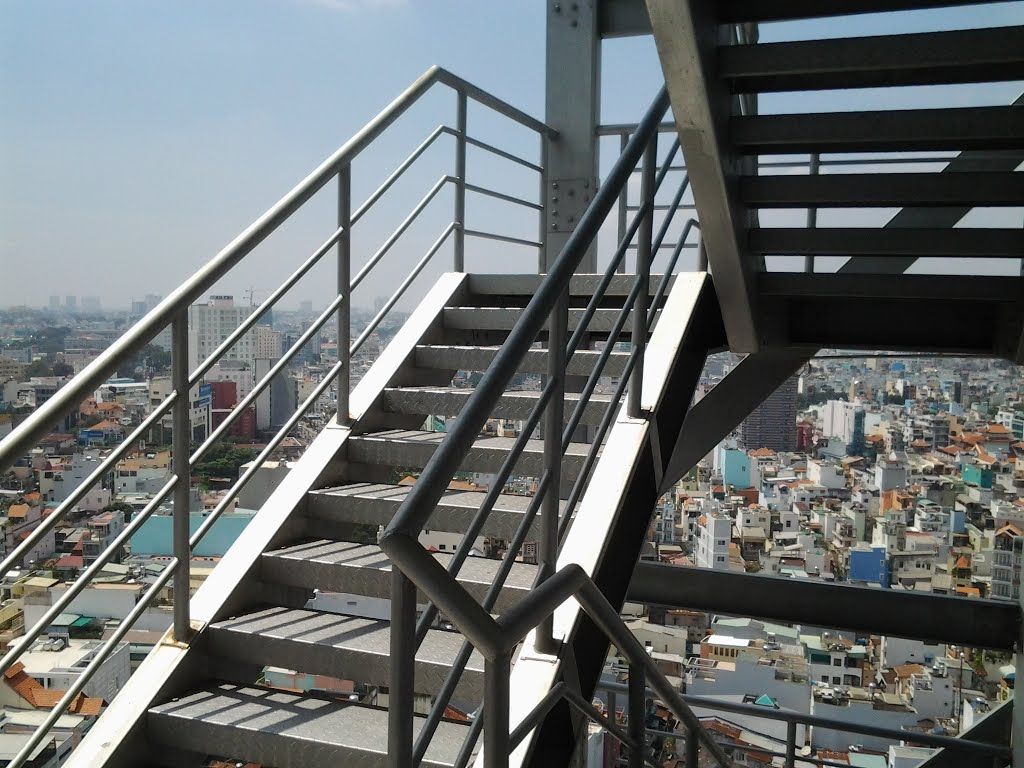 Cầu thang sắt