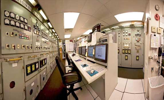 Buồng điều khiển máy