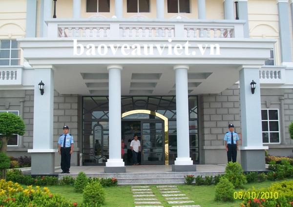 Bảo vệ khác sạn