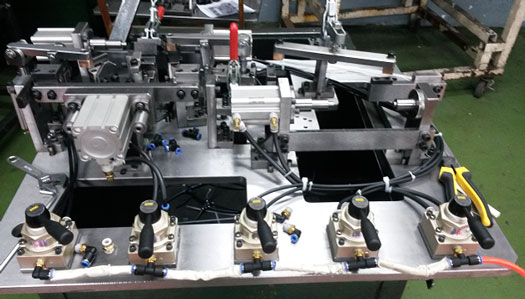 Máy móc, vật tư công nghiệp