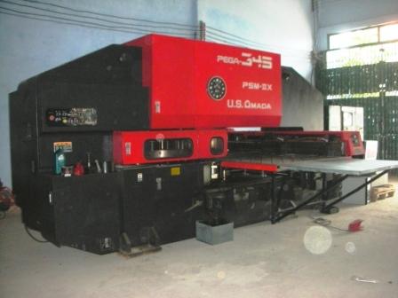 Máy đột CNC